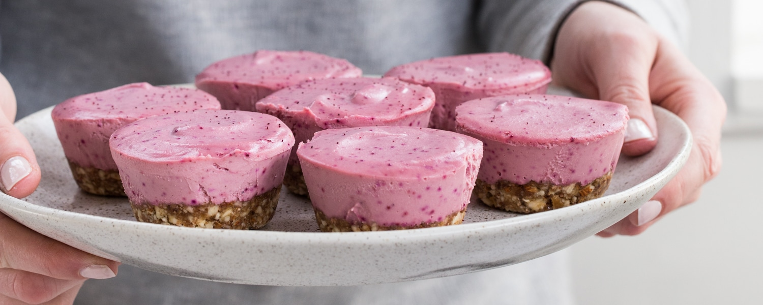 raw vegan mini cheesecakes