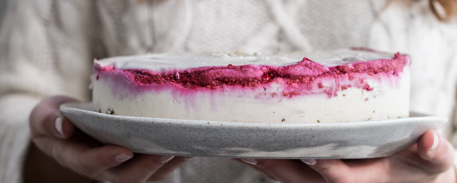 vegan-raw-raspberry-coconut-cheesecake