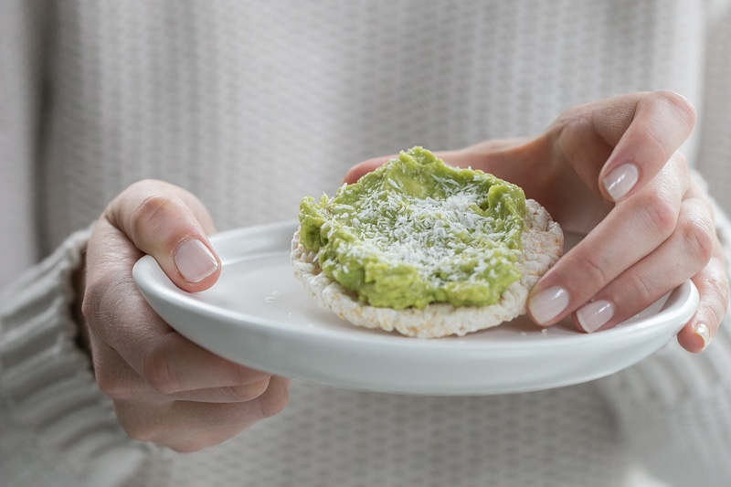 avocado lime mousse rice cracker